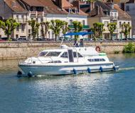 Houseboat Europa 400 available for charter in Marina Fleeensee
