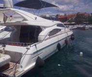 Motorboot Ferretti 46 Fly chartern in Baska Voda