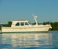 Yacht Grand Sturdy 29.9 Sedan Yachtcharter in Marina Zehdenick