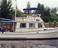 Yacht Grand Banks 32 Classic Trawler for rent in Marinatown Yacht Harbour