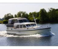 Motor boat Grand Sturdy 29.9 AC for rent in Zehdenick