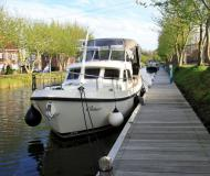 Motor boat Grand Sturdy 30.9 AC for rent in Kuurne Marina