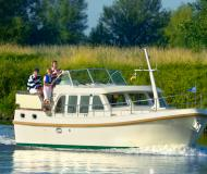 Motor boat Grand Sturdy 33.9 AC available for charter in Tonnerre Armancon Marina