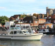 Motorboot Grand Sturdy 34.9 AC Yachtcharter in Henley-on-Thames