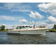 Motorboot Grand Sturdy 40.9 AC Yachtcharter in De Spaenjerd Marina