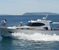 Yacht Issa 45 chartern in Stobrec Port