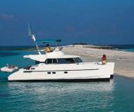 Yacht Maryland 37 for hire in Marina di Portisco