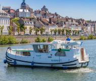 Houseboat Penichette 1020 for hire in Dompierre sur Besbre