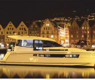 Yacht Platinum 989 chartern in Wilkasy Marina