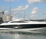 Motor boat Predator 80 for hire in Bayshore Landing Marina