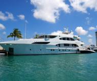 Motoryacht Primadonna 127 Yachtcharter in Abaco Beach Resort