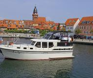 Motor boat Proficiat 970 for rent in Yacht Harbour Waren