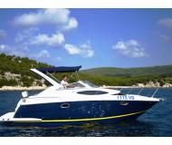 Motoryacht Regal 2860 Commodore Yachtcharter in Marina Spinut