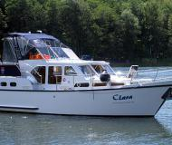 Motor yacht Skiron 35 for charter in Waren
