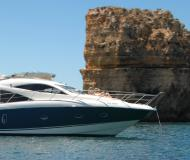 Motor yacht Sunseeker Manhattan 50 for rent in Marina de Lagos