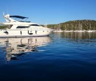 Yacht Uniesse 70 for hire in Marina Skradin