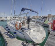 Sailing yacht Bavaria 30 Cruiser for hire in San Vincenzo