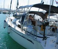 Sailing yacht Bavaria 30 Cruiser available for charter in Trget Harbour