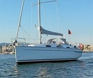 Sailing yacht Bavaria 32 Cruiser available for charter in Palma