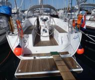 Sailing yacht Bavaria 32 Cruiser available for charter in Vrsar