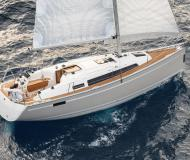 Sail boat Bavaria 33 Cruiser available for charter in Marina Stavoren