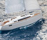 Sail boat Bavaria 33 Cruiser available for charter in Marina Jachtwerf Maronier