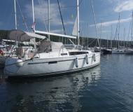 Yacht Bavaria 33 Cruiser chartern in Marina Punat