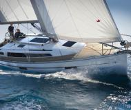 Sailing yacht Bavaria 37 Cruiser for charter in Port Pile