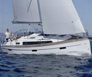 Yacht Bavaria 37 Cruiser available for charter in Heiligenhafen
