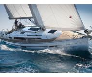 Sailing yacht Bavaria 37 Cruiser for rent in Marina Lindholmen