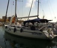 Sailing yacht Bavaria 40 Cruiser for hire in Salerno