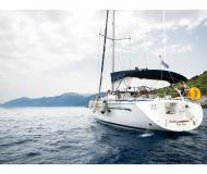Yacht Bavaria 42 Cruiser available for charter in Athens