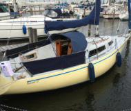 Sailing yacht Becker 27 for rent in Marina Stavoren