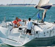Yacht Cyclades 43 for rent in Port des Minimes