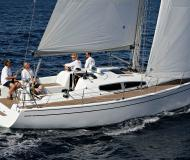 Sailing yacht Dehler 35 available for charter in Monnickendam