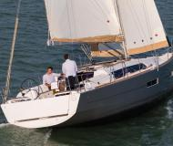 Sailing boat Dufour 382 Grand Large for rent in Marina de Portimao