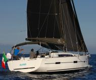 Sailing boat Dufour 412 Grand Large for hire in Salerno Marina