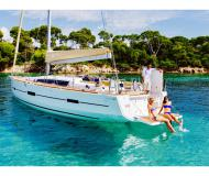 Yacht Dufour 460 Grand Large chartern in Marina Salerno