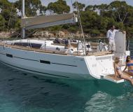 Yacht Dufour 460 Grand Large chartern in English Harbour