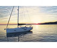 Sailing boat Dufour 512 Grand Large for hire in Marina di Sant Elmo