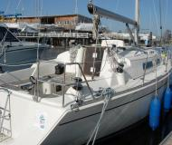 Sailing yacht Hanse 311 for charter in Marina Kroeslin