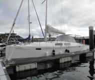 Sailing yacht Hanse 385 for charter in Horta
