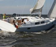 Yacht Hanse 385 for hire in Marina Smogen