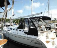 Yacht Hunter 38 for charter in Barrington