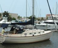 Sailing yacht Island Packet 32 for charter in Marinatown Yacht Harbour