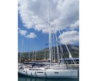 Sailing yacht Jeanneau 53 for hire in Marina Seget Donji