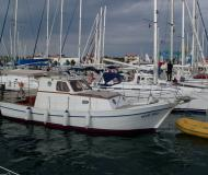 Motor boat for hire in Marine Betina