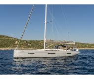 Sailing boat More 55 for rent in Trapani