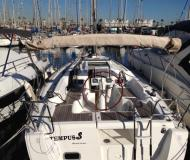 Sailing yacht Oceanis 31 for rent in Barcelona