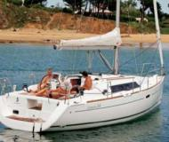 Yacht Oceanis 34 available for charter in La Rochelle
